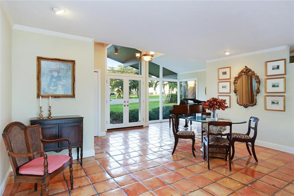 Single Family Home for sale at 7798 Holiday Dr, Sarasota, FL 34231 - MLS Number is A4200115