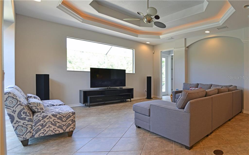 master suite with trey ceilings - Single Family Home for sale at 4616 Tuscana Dr, Sarasota, FL 34241 - MLS Number is A4200517