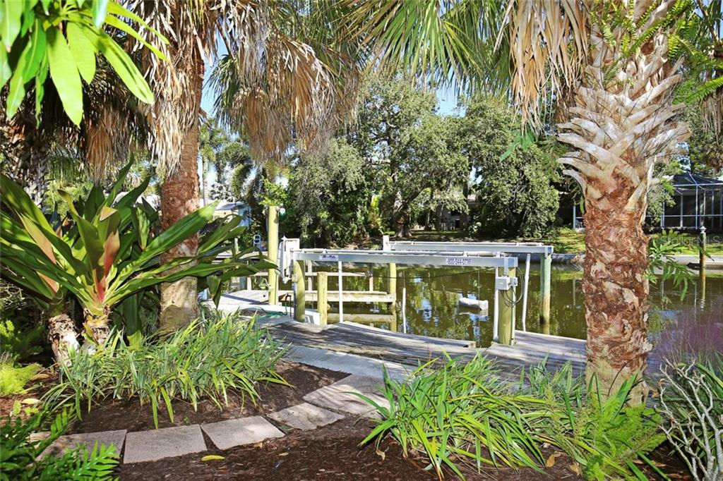 Single Family Home for sale at 5257 Cape Leyte Way, Sarasota, FL 34242 - MLS Number is A4200989
