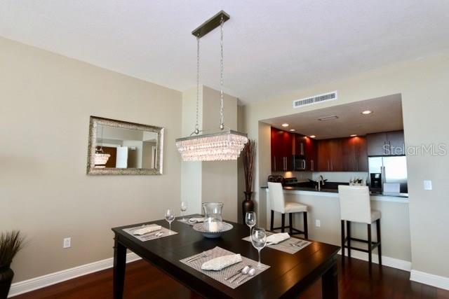 Dining area - Condo for sale at 1771 Ringling Blvd #609, Sarasota, FL 34236 - MLS Number is A4201774