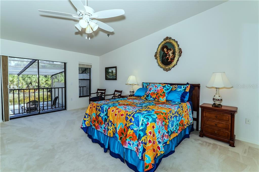 Villa for sale at 2350 Harbour Oaks Dr, Longboat Key, FL 34228 - MLS Number is A4202960