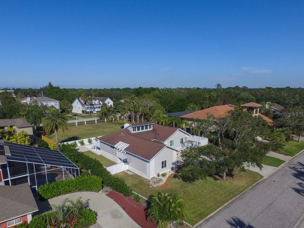 Single Family Home for sale at 3903 Bayside Dr, Bradenton, FL 34210 - MLS Number is A4203000