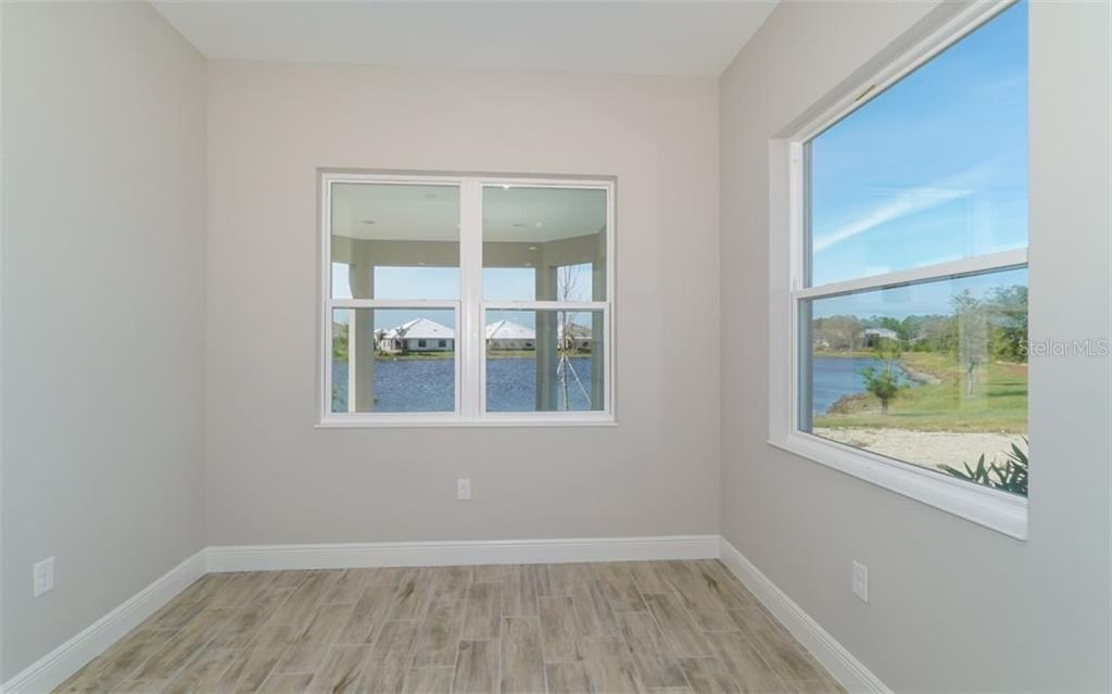 Single Family Home for sale at 11805 Hunters Creek Rd, Venice, FL 34293 - MLS Number is A4205752