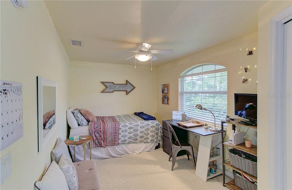 Currently set up with a twin/trundle, this 3rd bedroom could accommodate bunk beds. - Single Family Home for sale at 501 70th St, Holmes Beach, FL 34217 - MLS Number is A4205799
