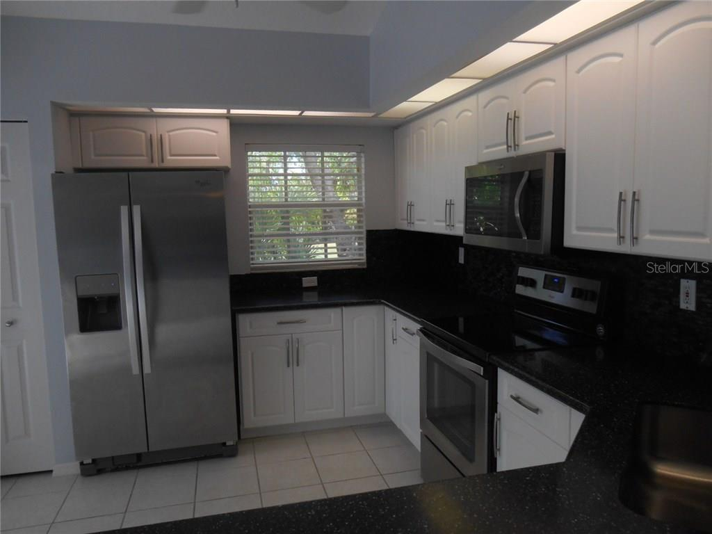 Condo for sale at 815 Montrose Dr #202, Venice, FL 34293 - MLS Number is A4206556