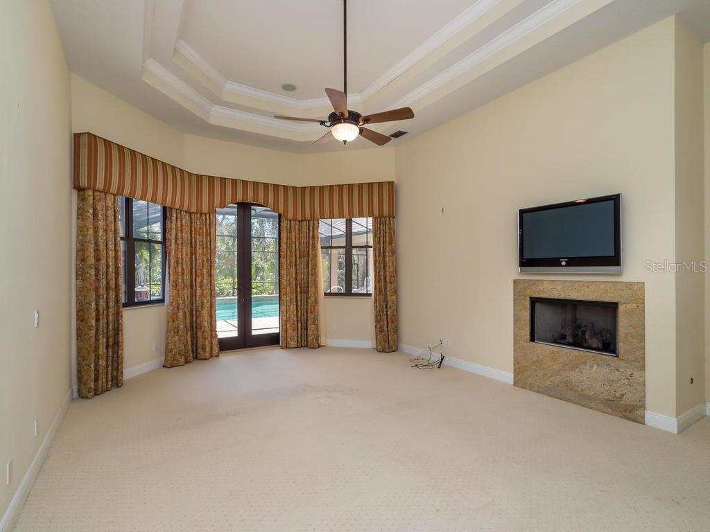Master Bedroom - Single Family Home for sale at 7715 Donald Ross Rd W, Sarasota, FL 34240 - MLS Number is A4208499
