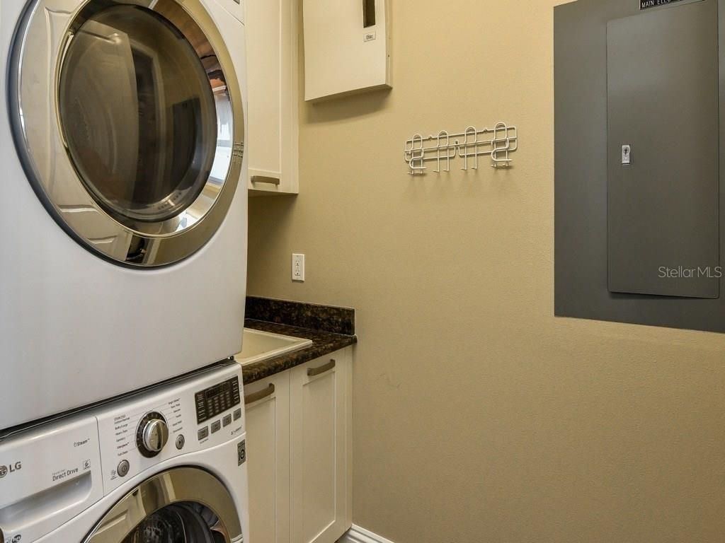 Laundry room - Condo for sale at 888 S Orange Ave #ph-C, Sarasota, FL 34236 - MLS Number is A4209372