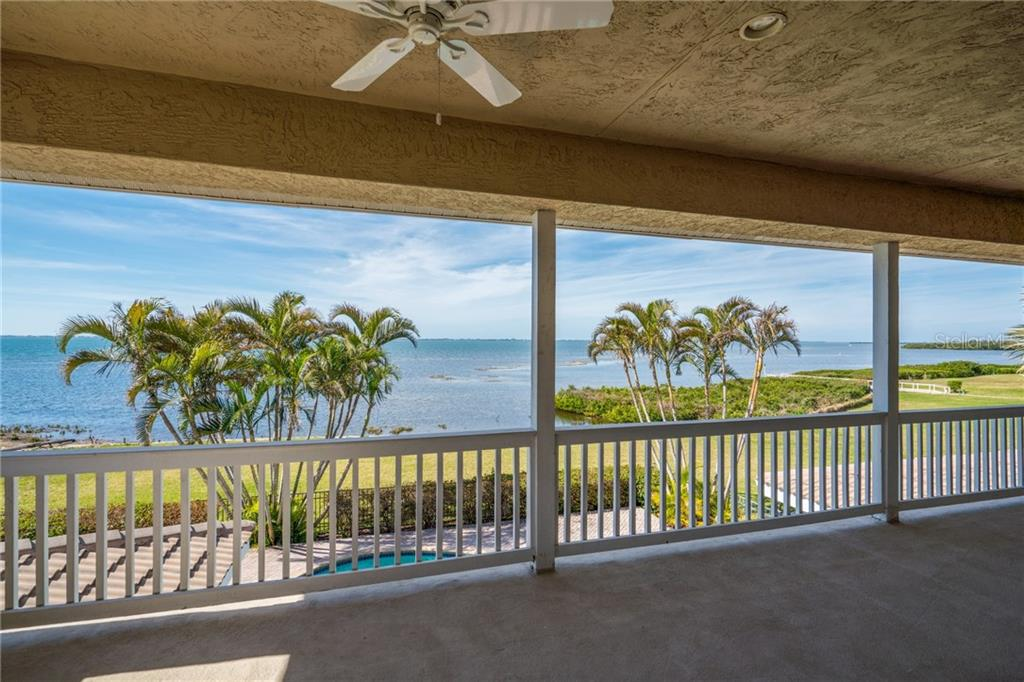 Single Family Home for sale at 202 Gaines Ave, Sarasota, FL 34243 - MLS Number is A4210891