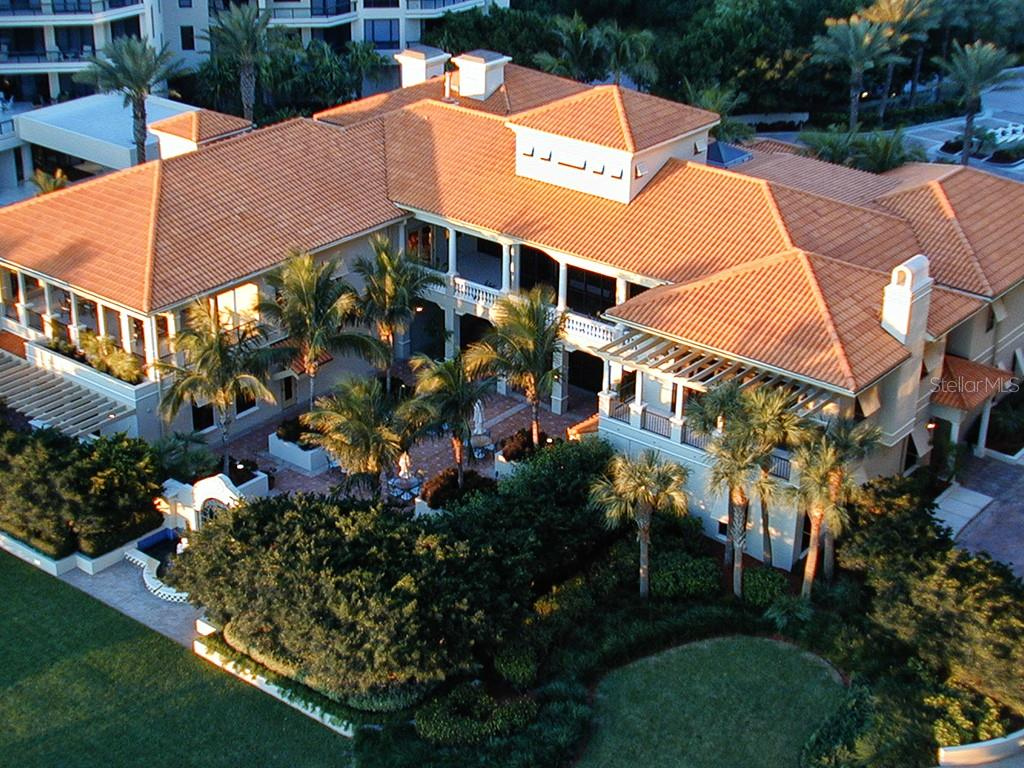 Clubhouse - Fitness Center, Library, Game Room, BBQ's, Ballroom - Condo for sale at 1241 Gulf Of Mexico Dr #502, Longboat Key, FL 34228 - MLS Number is A4211248