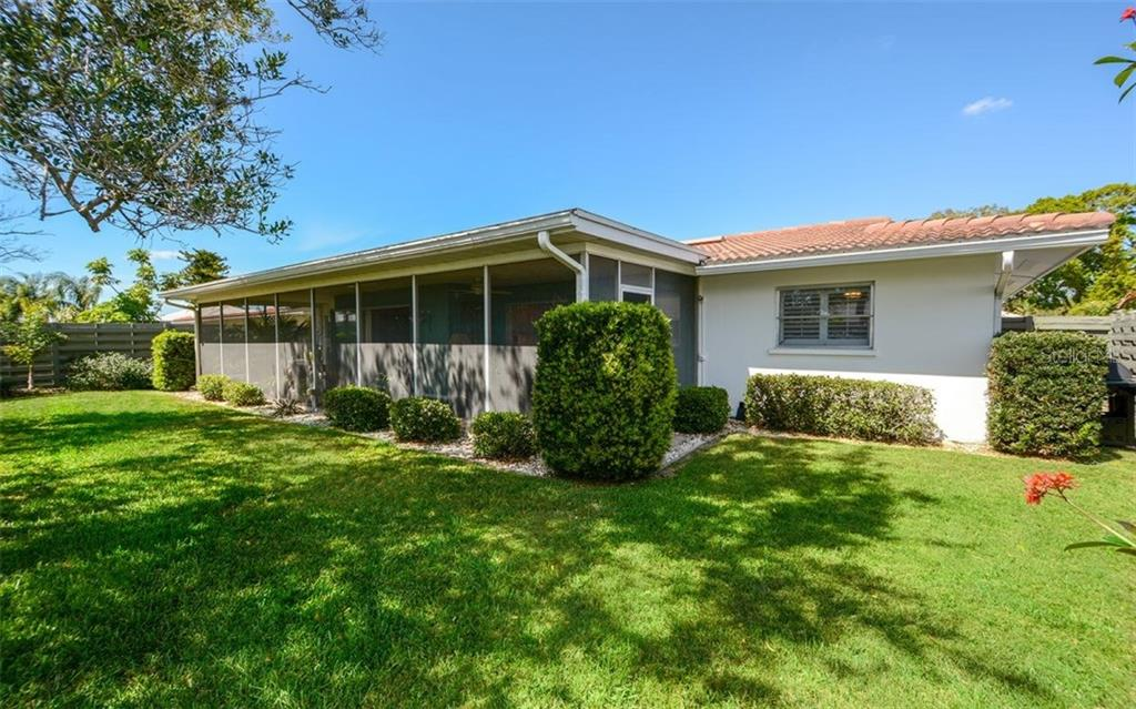 Single Family Home for sale at 3314 Sheffield Cir, Sarasota, FL 34239 - MLS Number is A4212974