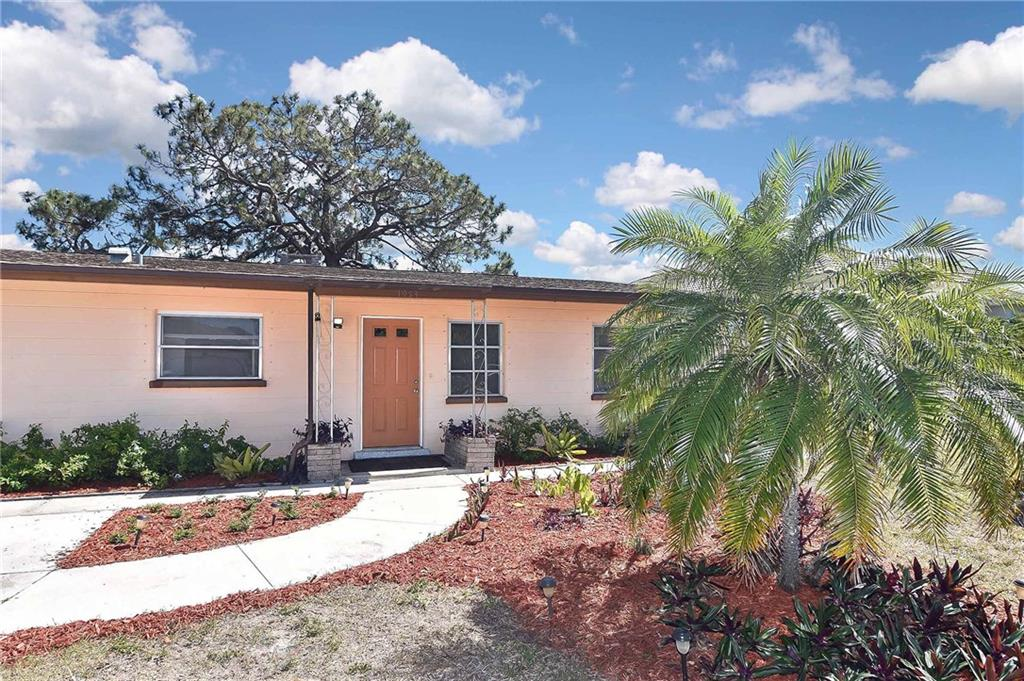 Front exterior - Single Family Home for sale at 1953 Fairview Dr, Englewood, FL 34223 - MLS Number is A4213338
