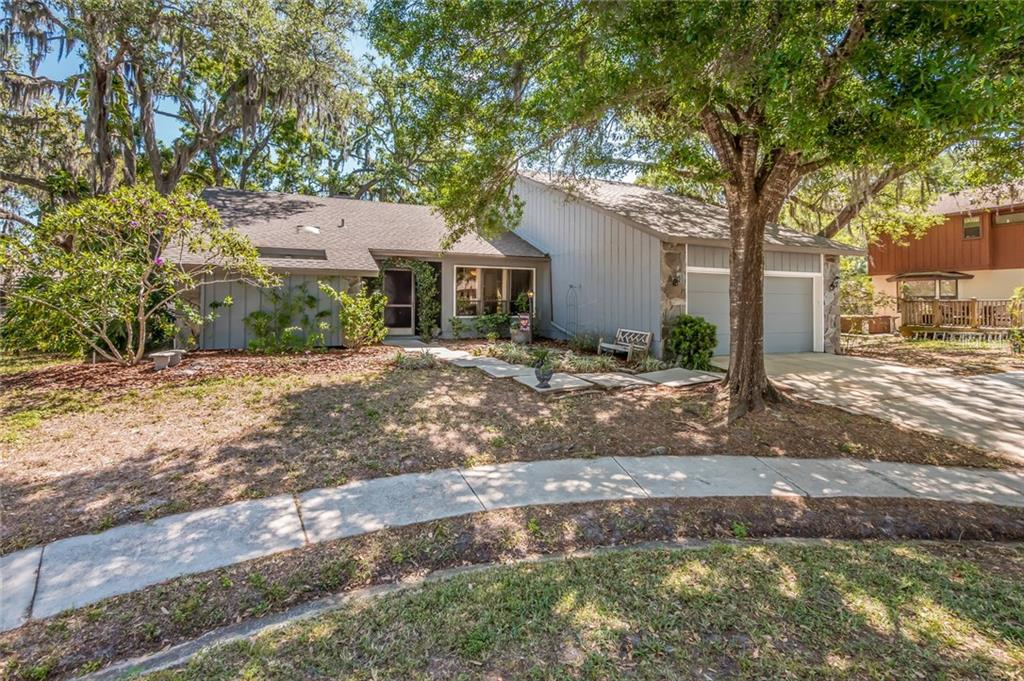 Single Family Home for sale at 2525 Rustic Oak Ct, Sarasota, FL 34232 - MLS Number is A4214072