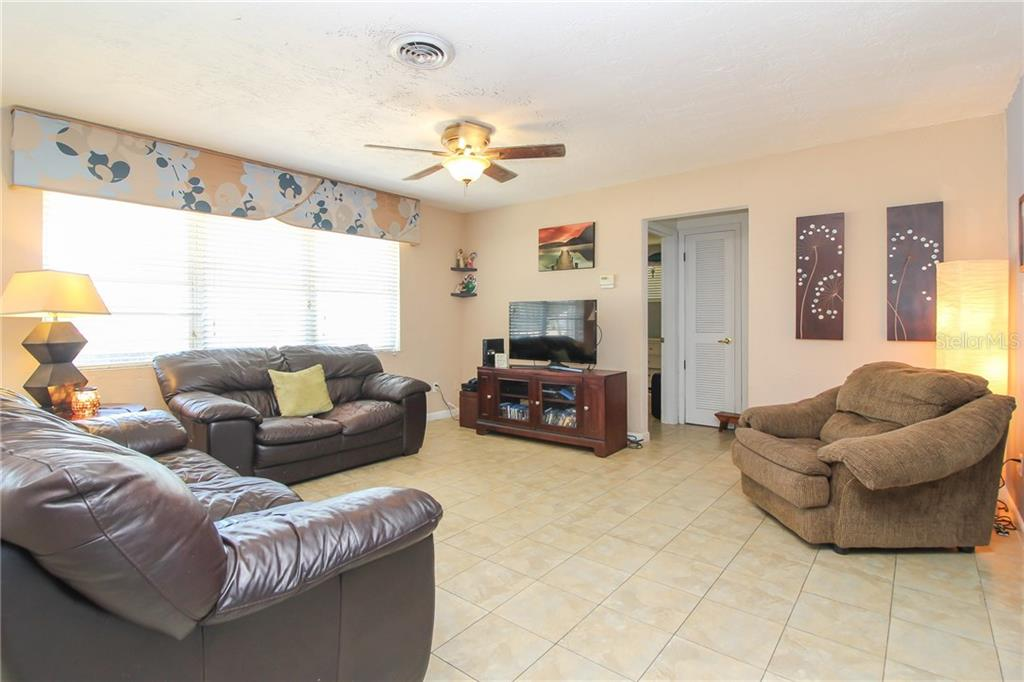 Single Family Home for sale at 4631 Brooksdale Dr, Sarasota, FL 34232 - MLS Number is A4215665