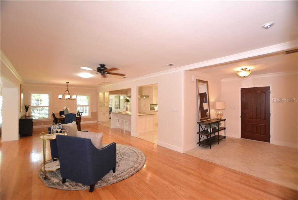 Light and bright open floor plan. - Single Family Home for sale at 1670 Bay View Dr, Sarasota, FL 34239 - MLS Number is A4400079