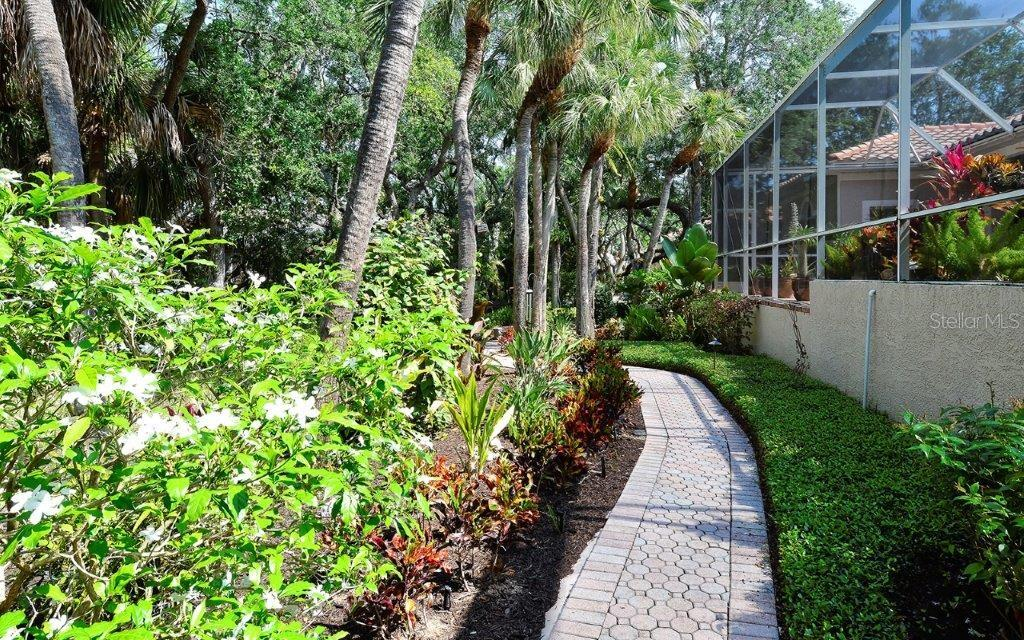 Single Family Home for sale at 3347 Sabal Cove Way, Longboat Key, FL 34228 - MLS Number is A4400153