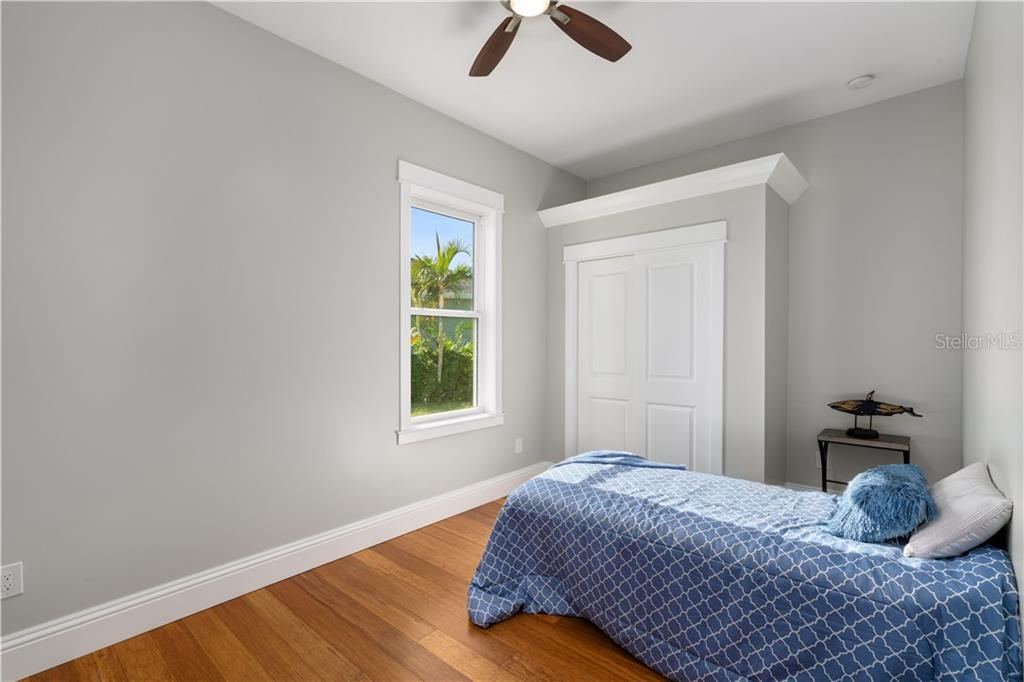 bedroom 4 - Single Family Home for sale at 6010 Hollywood Blvd, Sarasota, FL 34231 - MLS Number is A4400462