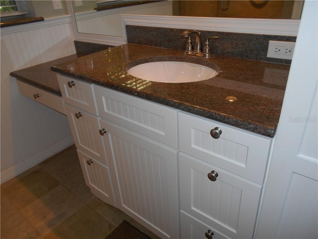 Bathroom vanity - Single Family Home for sale at 5150 Ashton Pines Ln, Sarasota, FL 34231 - MLS Number is A4400646