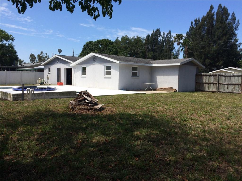 Single Family Home for sale at 5319 Moeller Ave, Sarasota, FL 34233 - MLS Number is A4402056