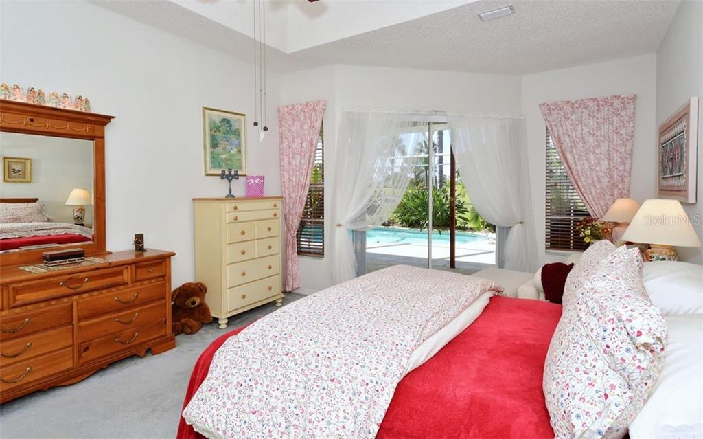 Master bedroom - Single Family Home for sale at 536 Westmount Ln, Venice, FL 34293 - MLS Number is A4402821