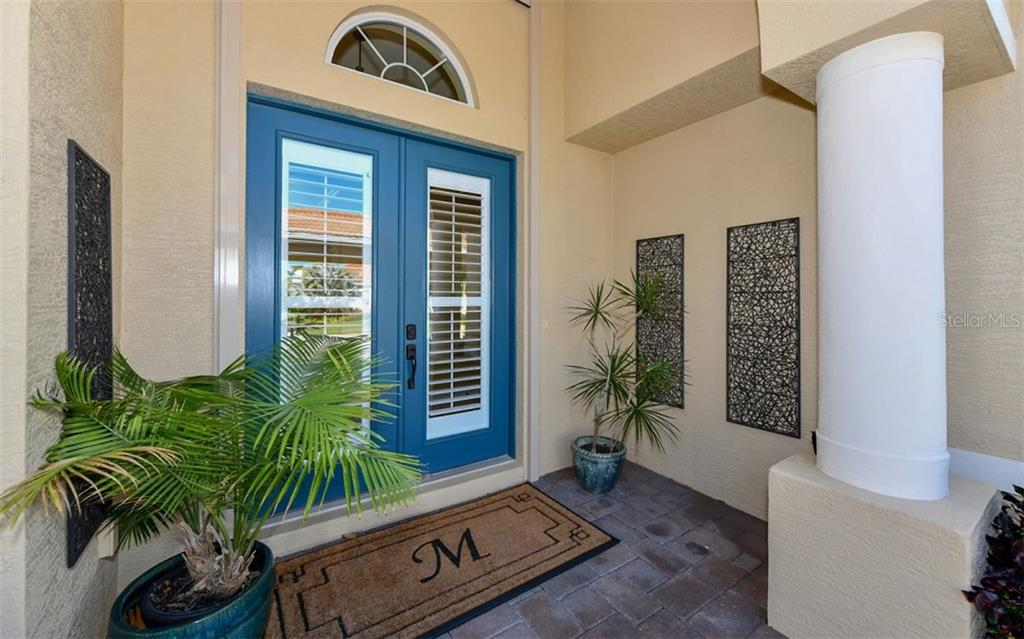 Stunning light & bright entry. - Single Family Home for sale at 533 Mast Dr, Bradenton, FL 34208 - MLS Number is A4402963