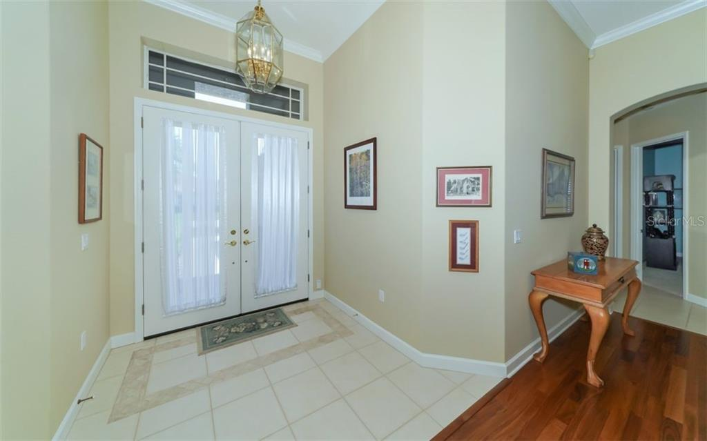 Single Family Home for sale at 6316 Westward Pl, University Park, FL 34201 - MLS Number is A4406687