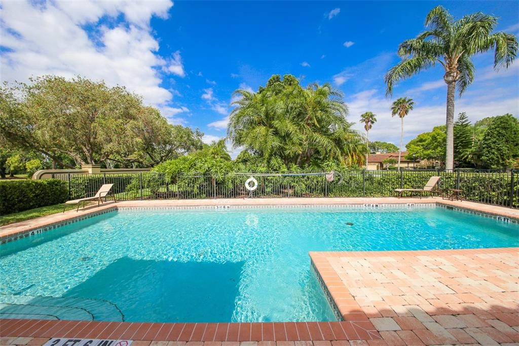 Community Pool with landscaping - Villa for sale at 4472 Calle Serena, Sarasota, FL 34238 - MLS Number is A4407721