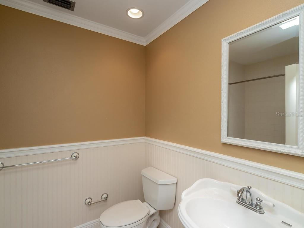 Guest bathroom - Condo for sale at 1912 Harbourside Dr #604, Longboat Key, FL 34228 - MLS Number is A4407777