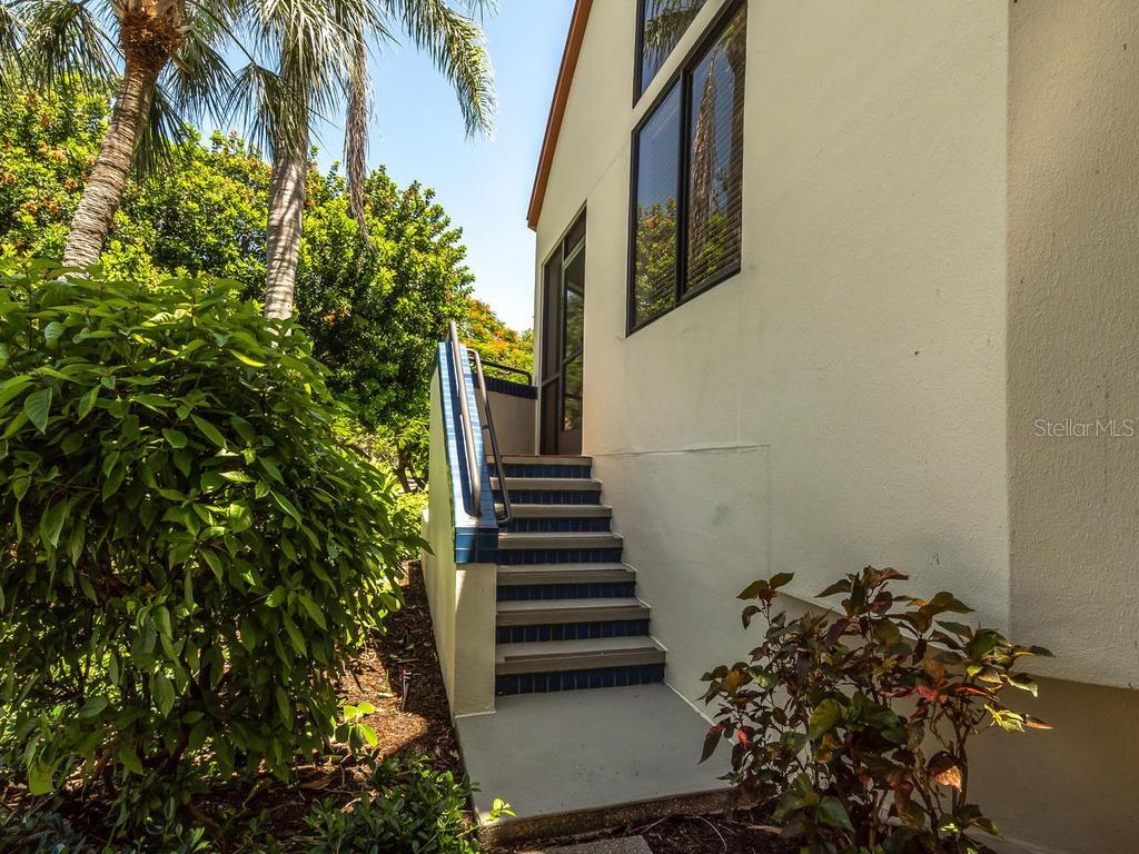 Entrance to the screened porch - Condo for sale at 1912 Harbourside Dr #604, Longboat Key, FL 34228 - MLS Number is A4407777