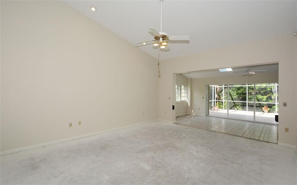 Single Family Home for sale at 2981 Longleat Woods, Sarasota, FL 34235 - MLS Number is A4409870