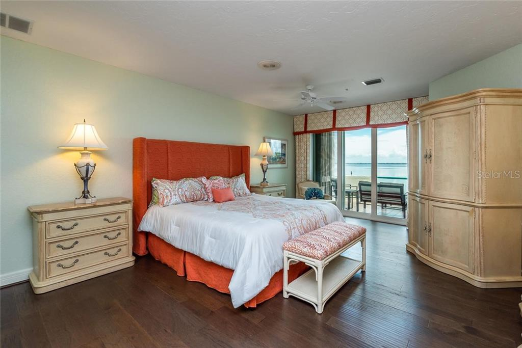 Expansive master bedroom suite with beautiful views of the bay right from your bed! - Condo for sale at 340 Gulf Of Mexico Dr #116, Longboat Key, FL 34228 - MLS Number is A4411000