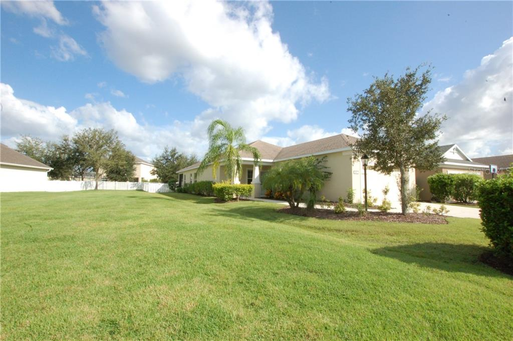 Single Family Home for sale at 4903 Boston Common Gln, Bradenton, FL 34211 - MLS Number is A4412075
