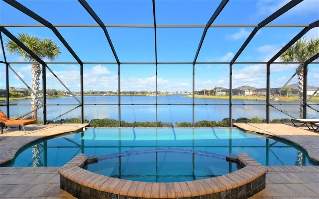 Salt Water Infinity Style Pool & Spa - Single Family Home for sale at 5114 Lake Overlook Ave, Bradenton, FL 34208 - MLS Number is A4412194