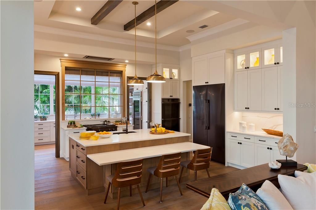 The Korina Main Kitchen - Single Family Home for sale at 14803 Como Cir, Lakewood Ranch, FL 34202 - MLS Number is A4414881