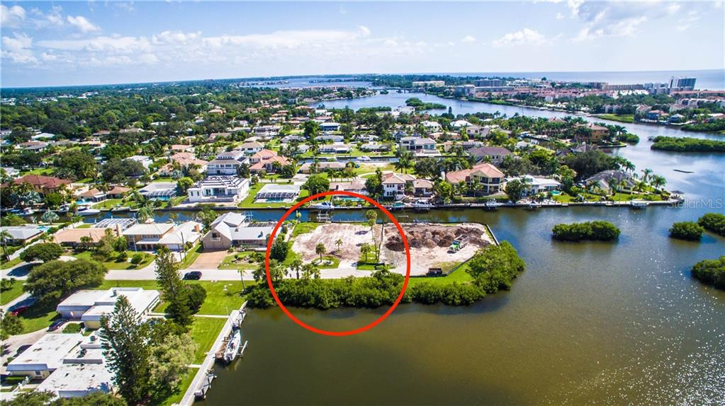 Aerial facing South - Vacant Land for sale at 1644 Meadowood St, Sarasota, FL 34231 - MLS Number is A4415359