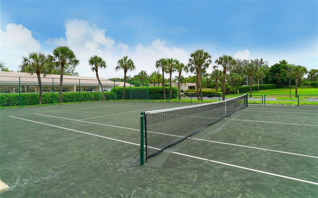 Condo for sale at 2425 Gulf Of Mexico Dr #15b, Longboat Key, FL 34228 - MLS Number is A4415630