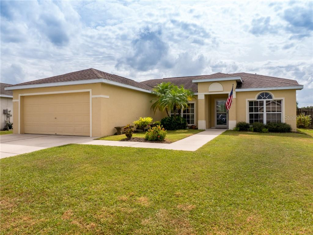 Single Family Home for sale at 11817 Shrewsbury Ln, Parrish, FL 34219 - MLS Number is A4415778