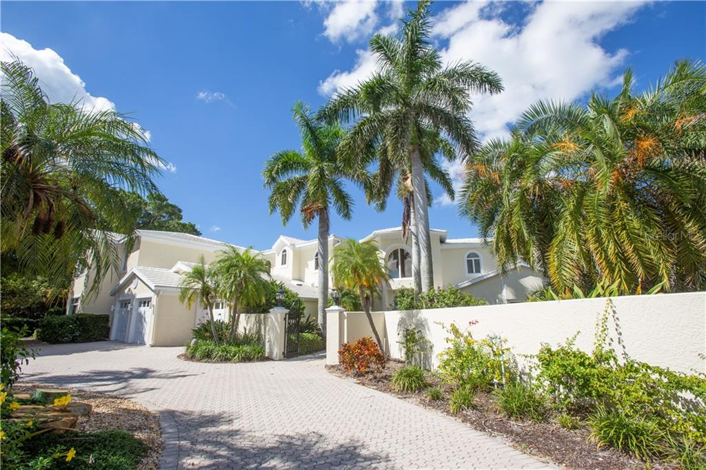 Single Family Home for sale at 232 Bird Key Dr, Sarasota, FL 34236 - MLS Number is A4416794