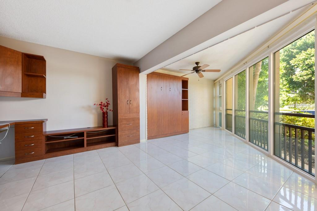 Bed closed up. - Condo for sale at 450 Gulf Of Mexico Dr #b107, Longboat Key, FL 34228 - MLS Number is A4418457