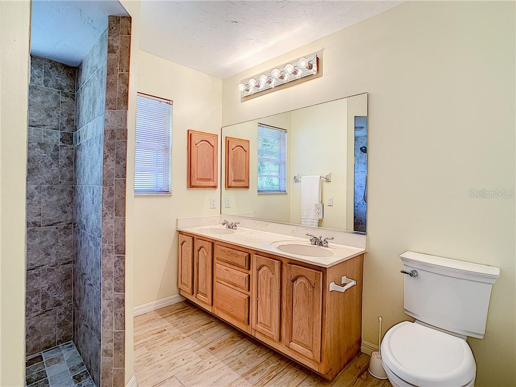 Master Bathroom - Single Family Home for sale at 4559 Trails Dr, Sarasota, FL 34232 - MLS Number is A4420363