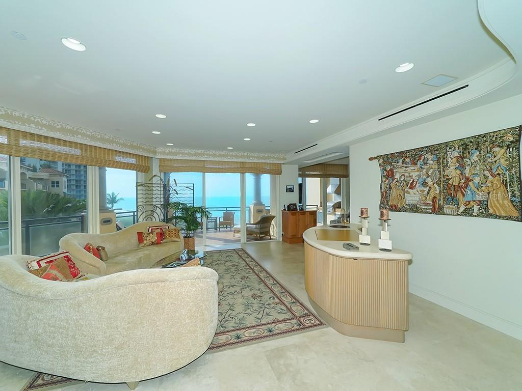 Living Room - Floor to Ceiling Walls of Glass - Condo for sale at 2399 Gulf Of Mexico Dr #3c3, Longboat Key, FL 34228 - MLS Number is A4421722