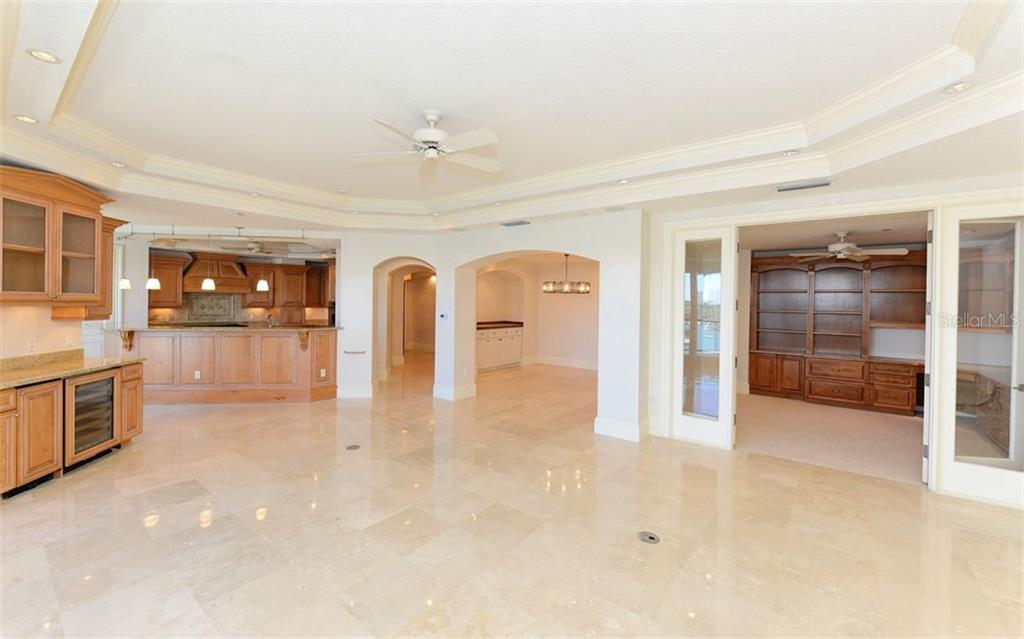 Condo for sale at 464 Golden Gate Pt #701, Sarasota, FL 34236 - MLS Number is A4422622