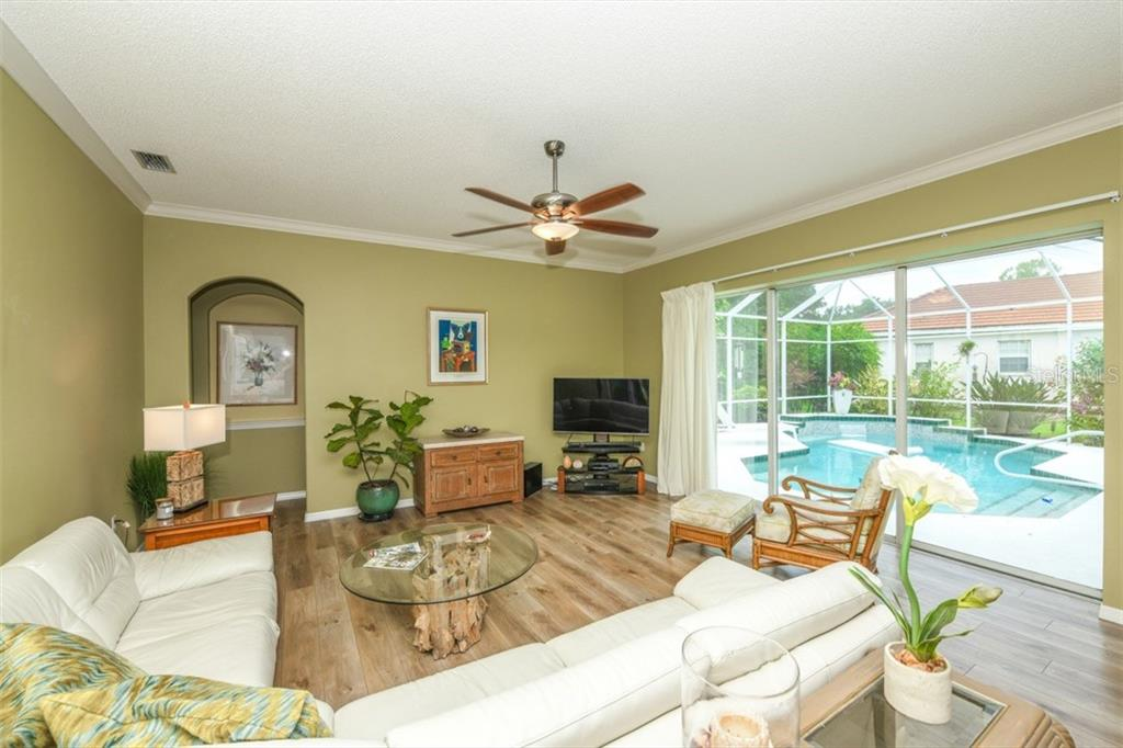 Spacious family area - Single Family Home for sale at 6161 Varedo Ct, Sarasota, FL 34243 - MLS Number is A4422883