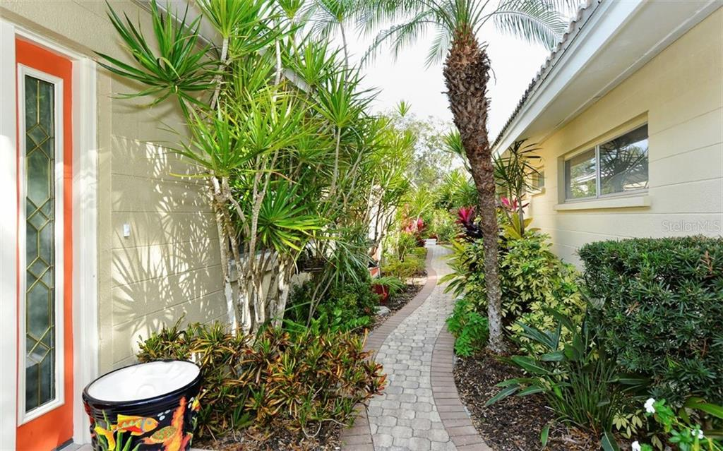 Villa for sale at 1246 Moonmist Cir #g-4, Sarasota, FL 34242 - MLS Number is A4423614