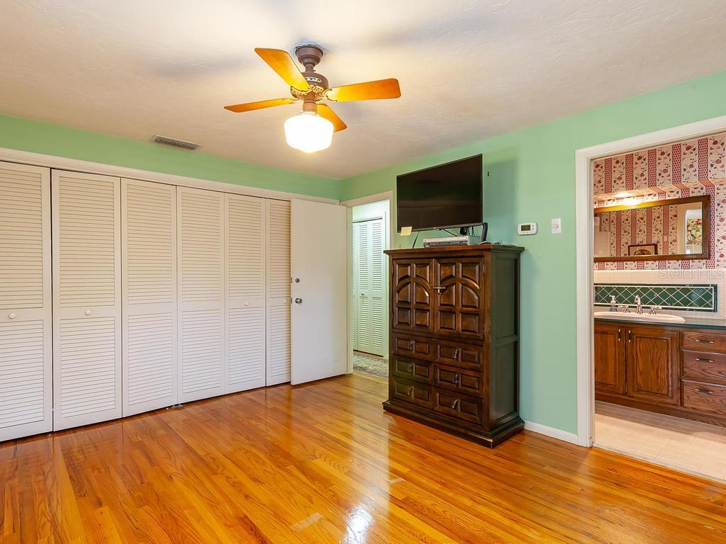 Single Family Home for sale at 4540 Camino Real, Sarasota, FL 34231 - MLS Number is A4424026