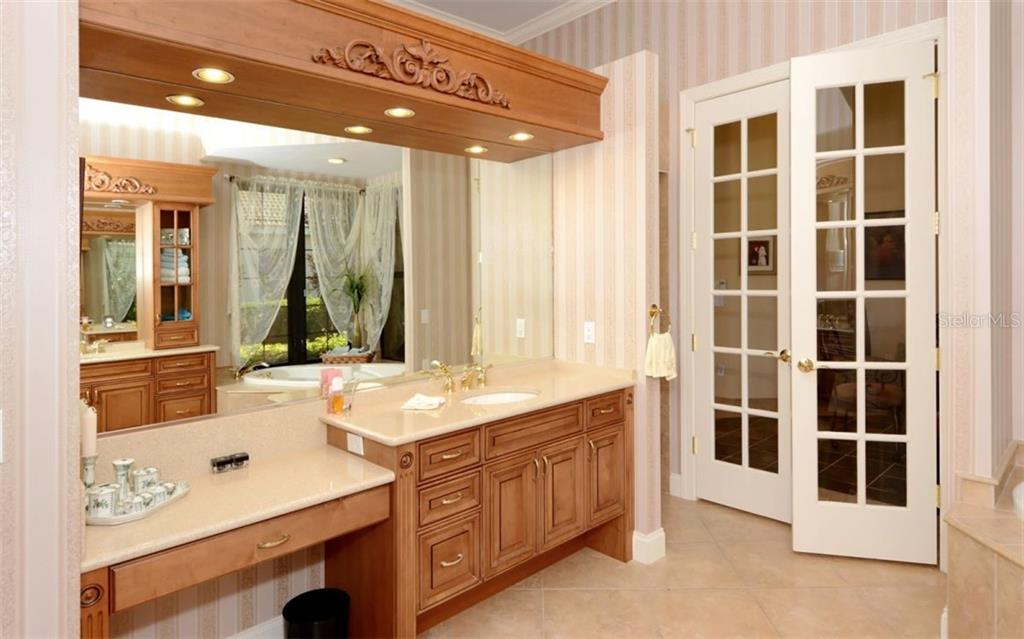 Master bathroom - Single Family Home for sale at 5331 Hunt Club Way, Sarasota, FL 34238 - MLS Number is A4424337