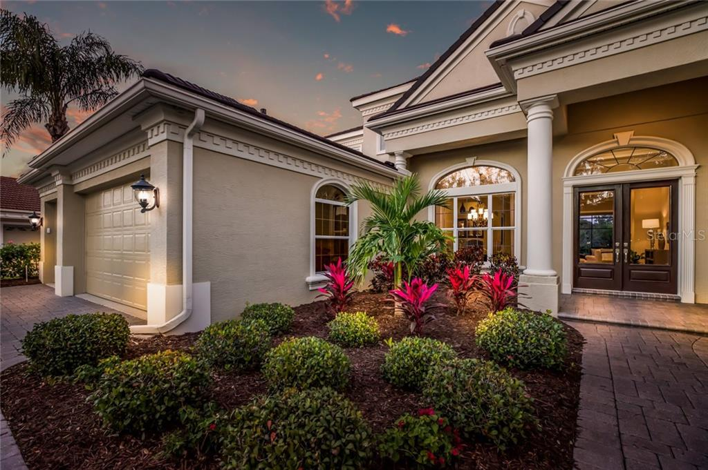 Single Family Home for sale at 5351 Hunt Club Way, Sarasota, FL 34238 - MLS Number is A4426147