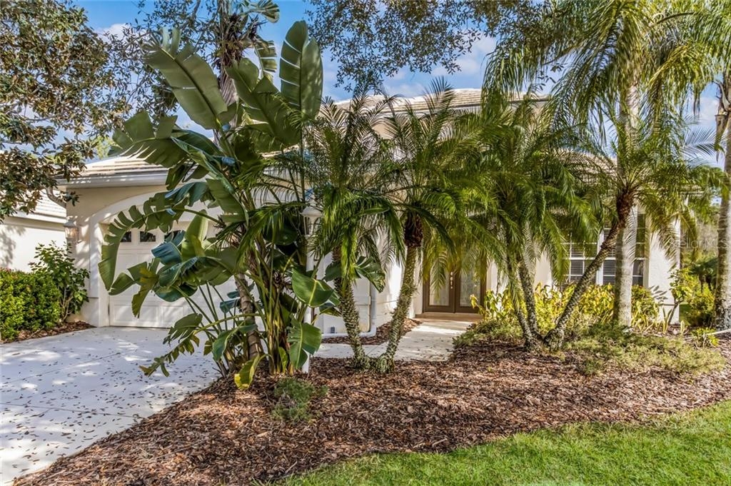 Single Family Home for sale at 8403 Whispering Woods Ct, Lakewood Ranch, FL 34202 - MLS Number is A4427192