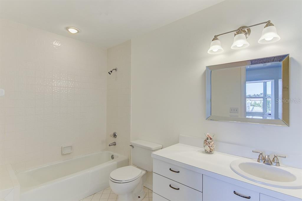 2nd upstairs master bathroom - Condo for sale at 773 Benjamin Franklin Dr #7, Sarasota, FL 34236 - MLS Number is A4427752
