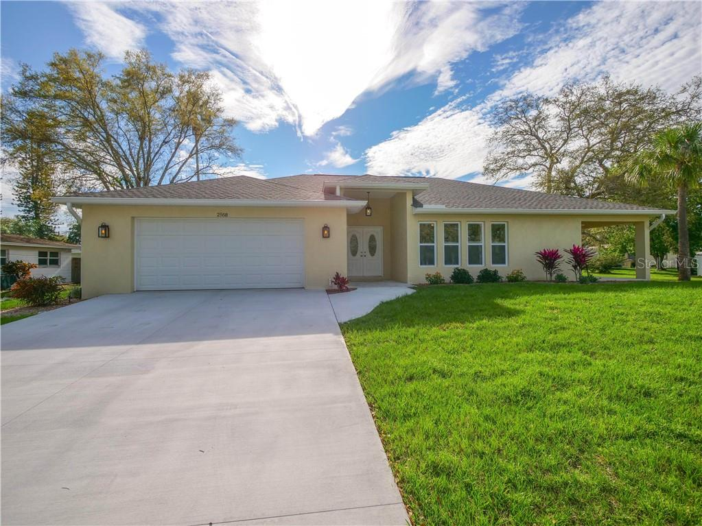 Single Family Home for sale at 2558 Oneida Rd, Venice, FL 34293 - MLS Number is A4428145