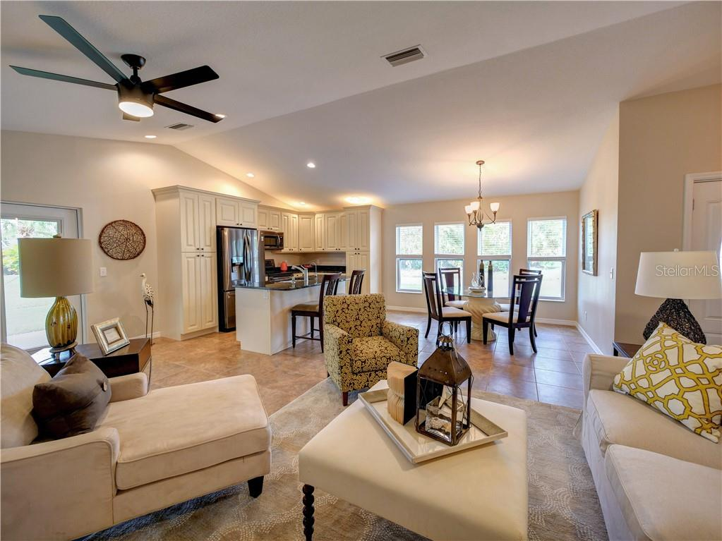 Light and bright. Perfect for entertaining. - Single Family Home for sale at 2558 Oneida Rd, Venice, FL 34293 - MLS Number is A4428145
